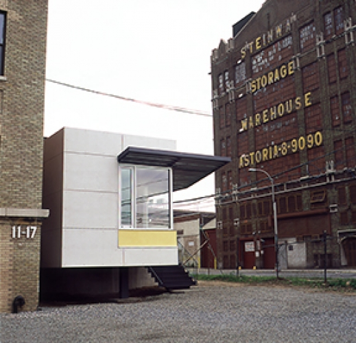 La Escuela Addition, 2000